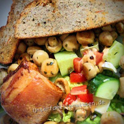 Schweinekamm mit Champignon Salt und LoCa Brot